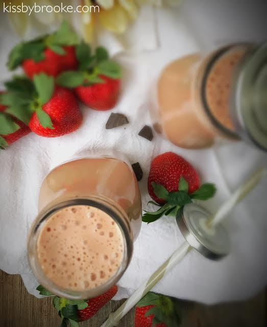 chocolate-strawberry-bliss-smoothie